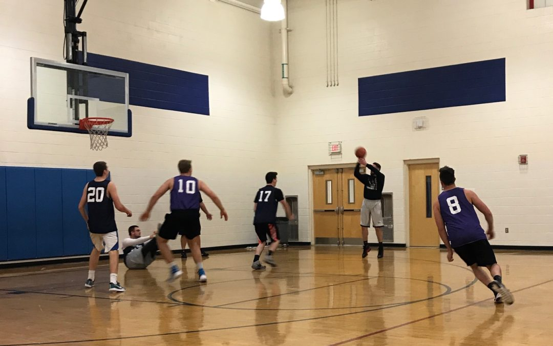 Halfway Crooks rally behind Lincoln's 30, pull off overtime win against Werewolves