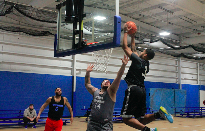 Greg Bell's 21 points fuels victory over Alaskan Bull Worms; Swish Kabobs stay undefeated